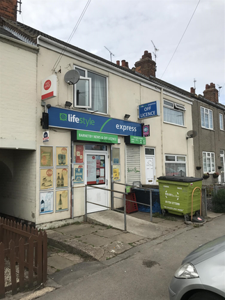 Thumbnail Retail premises for sale in Kings Road, Barnetby