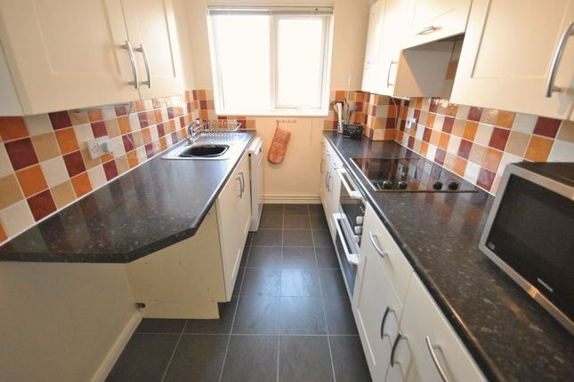 2 bed flat for sale in church view court sprowston norwich nr7