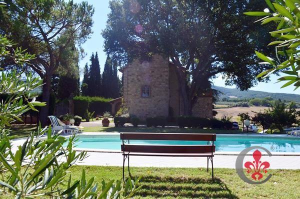 5 bed villa for sale in Colline Senesi, Sarteano, Siena, Tuscany, Italy