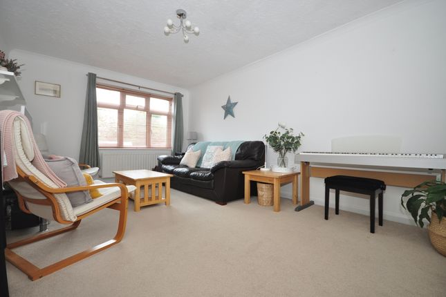 Thumbnail Semi-detached house to rent in Crofton Close, Purbrook, Waterlooville