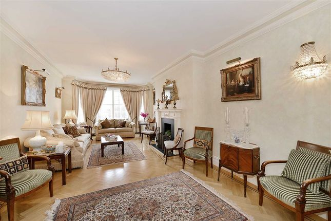 Thumbnail Flat for sale in Grove Court, London