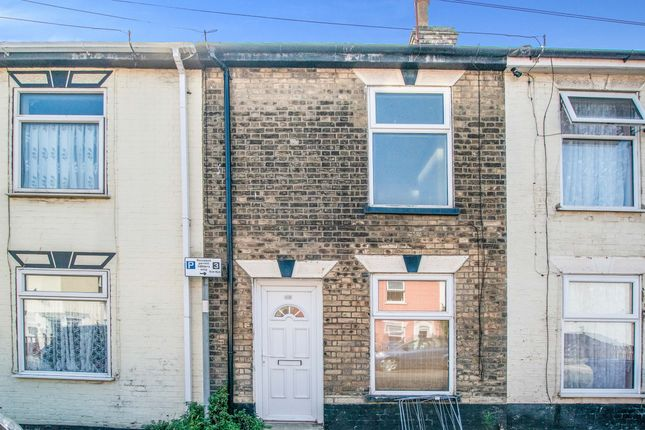 2 bed terraced house to rent in Tonning Street, Lowestoft NR32