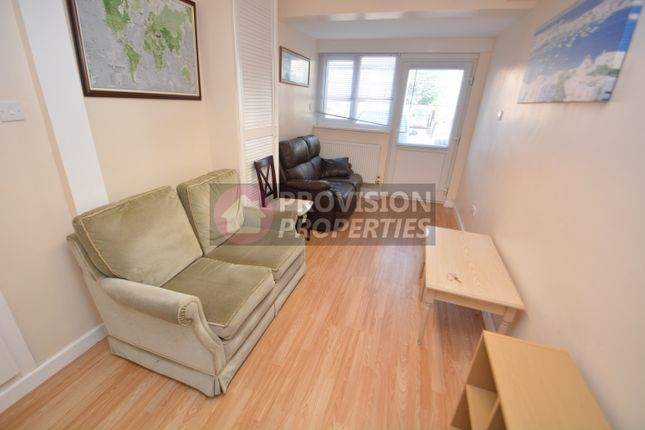 Thumbnail Town house to rent in Well Close Rise, Leeds