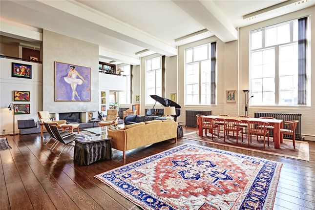 Thumbnail Flat for sale in Amies Street, London