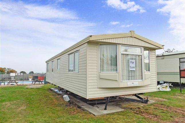 3 bed mobile/park home for sale in Plough Road, Minster On Sea, Kent