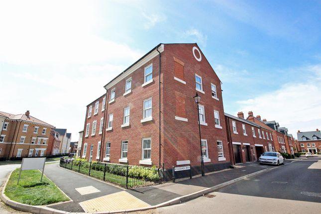 Thumbnail Flat for sale in Hazelwick Drive, Great Denham, Bedford