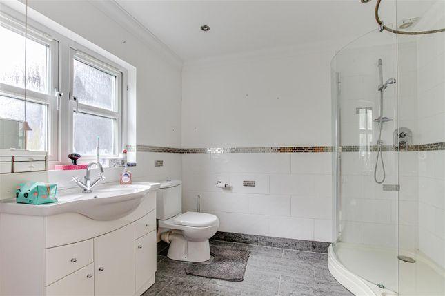 En-Suite of Burnham Road, Latchingdon, Chelmsford CM3