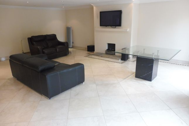 Thumbnail Property to rent in Coningesby Drive, Watford
