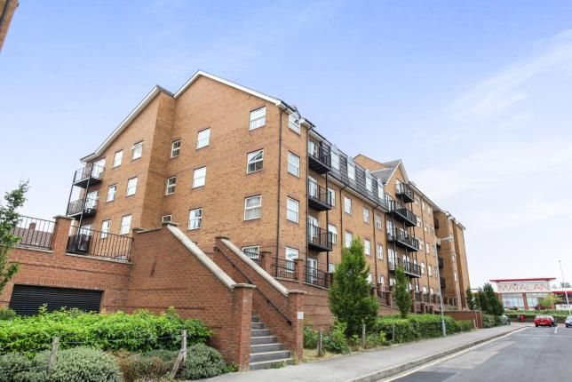 Thumbnail Flat for sale in The Academy, Holly Street, Luton, Bedfordshire
