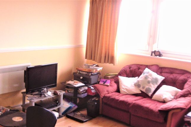 1 bed flat to rent in Thirlmere House. Roman Way, Edgbaston, Birmingham