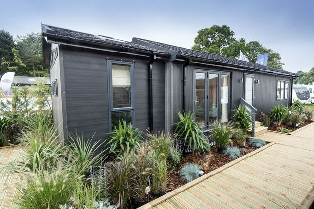 Thumbnail Mobile/park home for sale in Lye Head, Bewdley