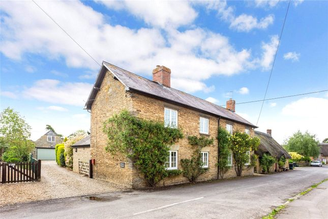 Picture No. 05 of Orchard Road, Buckland, Faringdon, Oxfordshire SN7