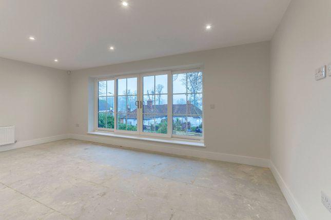 Master Bedroom of Shooters Hill, Pangbourne, Berkshire RG8