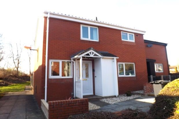 Thumbnail Property to rent in The Hove, Murdishaw, Runcorn