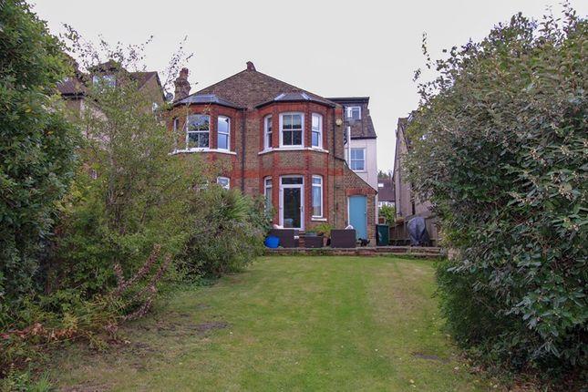 Picture No. 16 of Fitzjohn Avenue, High Barnet, Hertfordshire EN5