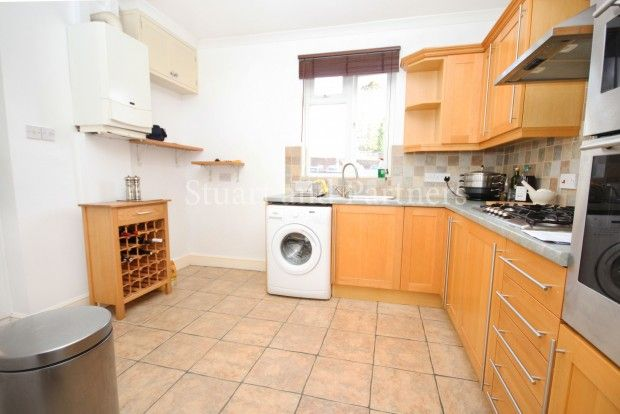 Thumbnail Maisonette to rent in South Road, Haywards Heath