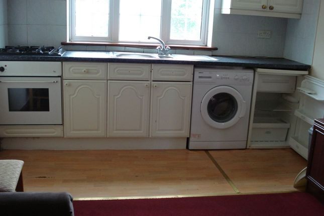 Thumbnail Flat to rent in Grand Parade, Forty Avenue, Wembley