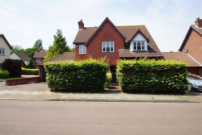 Thumbnail Detached house for sale in Acacia Way, Sidcup, Kent