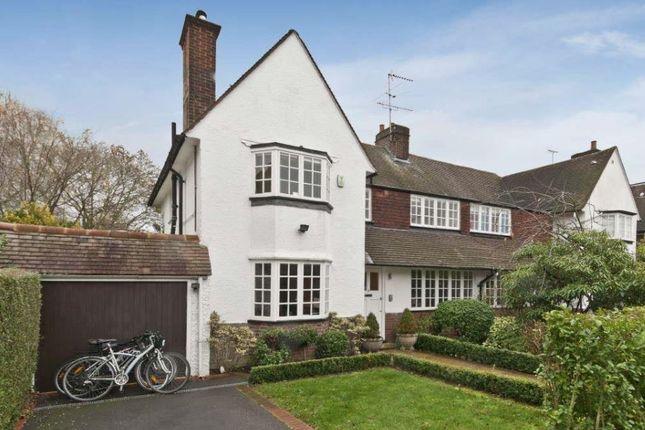 Thumbnail Flat to rent in Ruskin Close, London