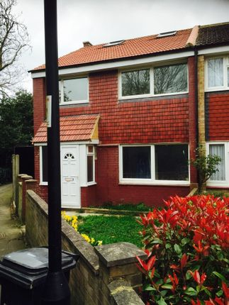 Thumbnail Flat to rent in Aucland Close, Enfield