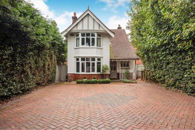 Thumbnail Detached house for sale in Portsmouth Road, Southampton