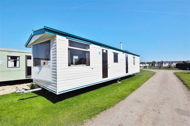 Mobile/park home for sale in Sunnydale Holiday Park, Saltfleet, Lincolnshire