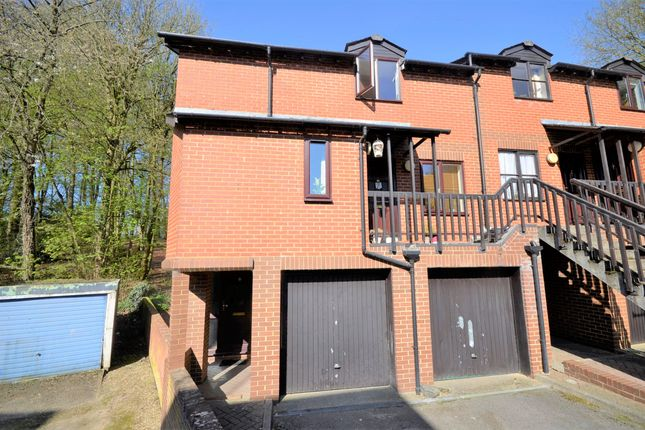 1 bed flat to rent in Station Road, Amersham, Buckinghamshire