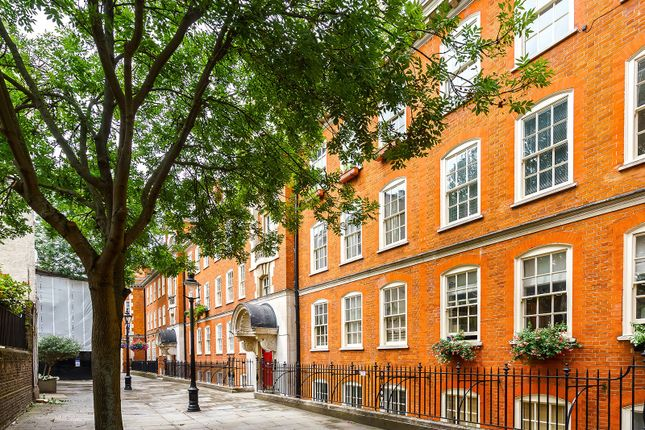 Picture No. 06 of Broad Court, Covent Garden WC2B