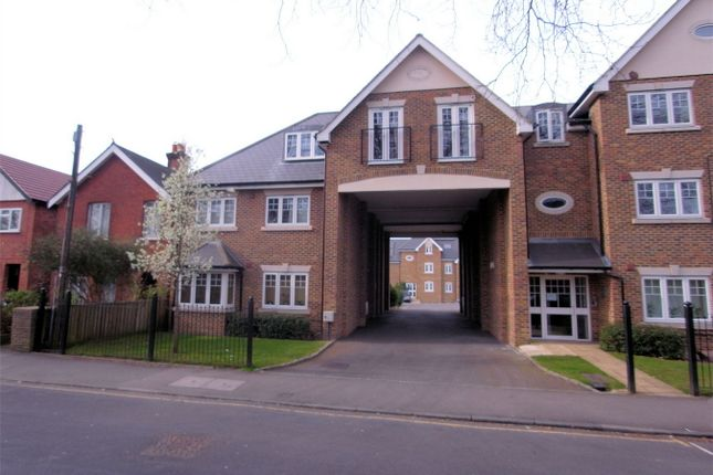 1 bed flat to rent in Maybury Road, Woking