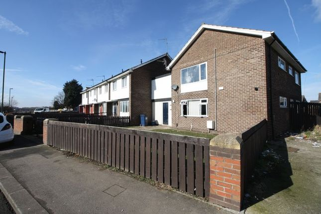 Thumbnail Flat to rent in Shinwell Crescent, South Bank, Middlesbrough