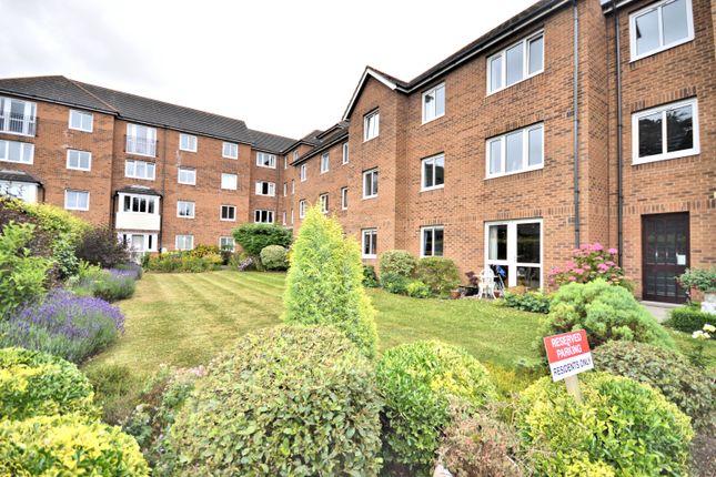 Thumbnail Flat for sale in Lyndhurst Court, Hunstanton