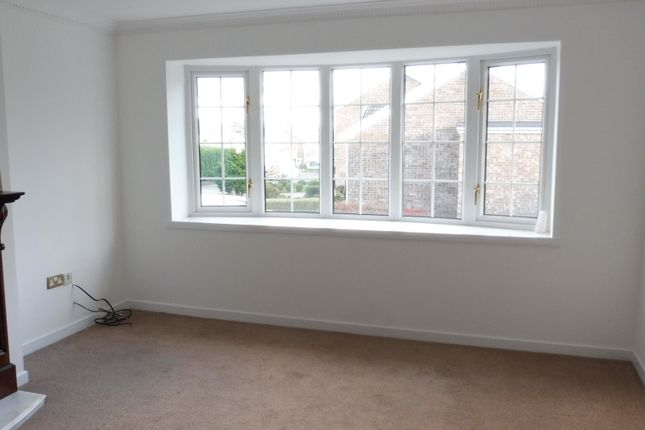 Lounge of Southwell Rise, Mexborough S64