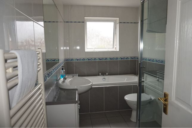 Bathroom of Mcintosh Drive, Elgin IV30
