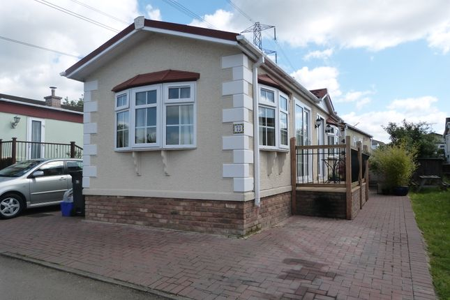 Thumbnail Mobile/park home for sale in Galley Hill, Waltham Abbey