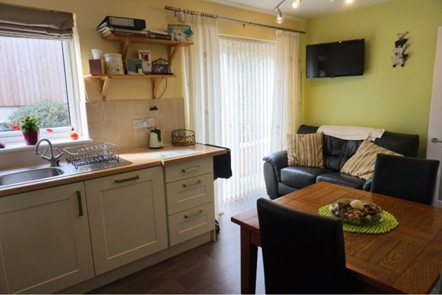 3 bed link detached house for sale in veronica drive giltbrook