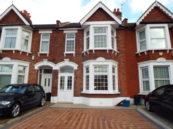 Thumbnail Property for sale in Ilford, Essex