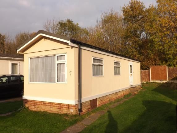 Thumbnail Bungalow for sale in Gamston Mobile Home Park, Bassingfield Lane, Gamston, Nottingham