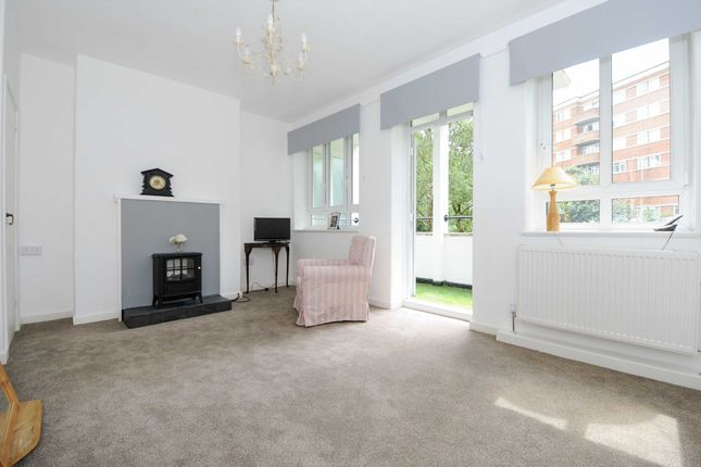 3 bed flat to rent in Edith Villas, London