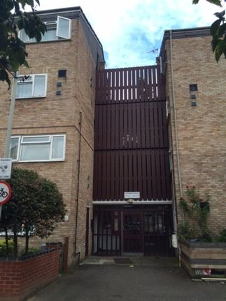 Thumbnail Flat to rent in Midsummer Avenue, Hounslow