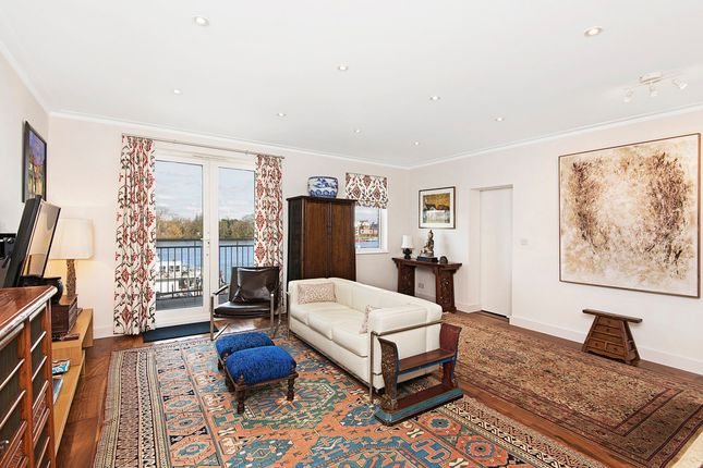 Thumbnail Property to rent in Point Pleasant, London