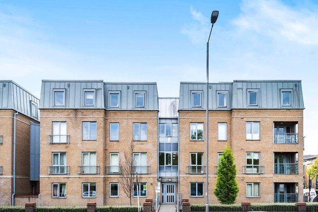 3 bed flat for sale in Seven Sisters Road, London N4