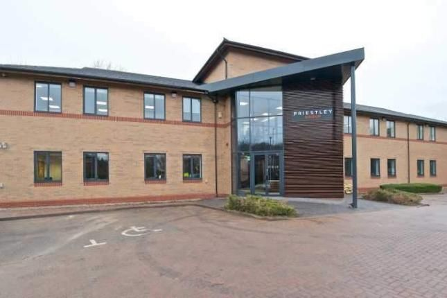Office to let in Eland Road, Leeds
