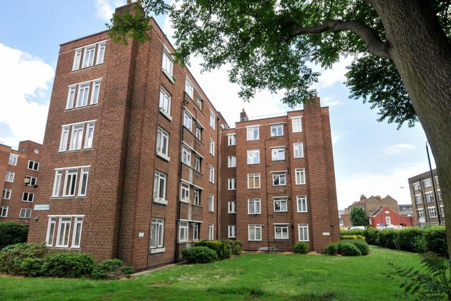 Thumbnail Flat for sale in Homerton High Street, London
