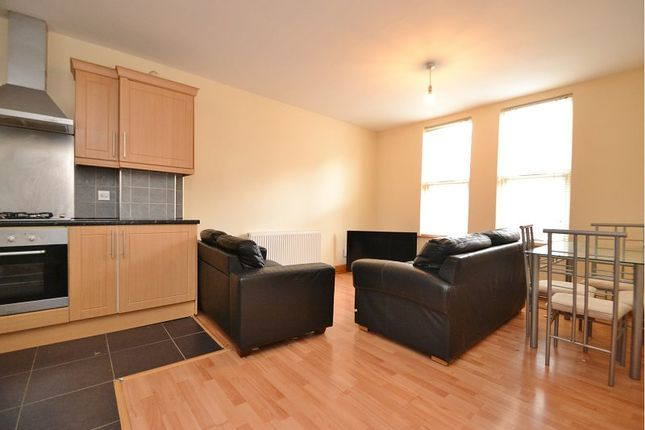 Thumbnail Flat to rent in Brookfield Avenue, Leeds