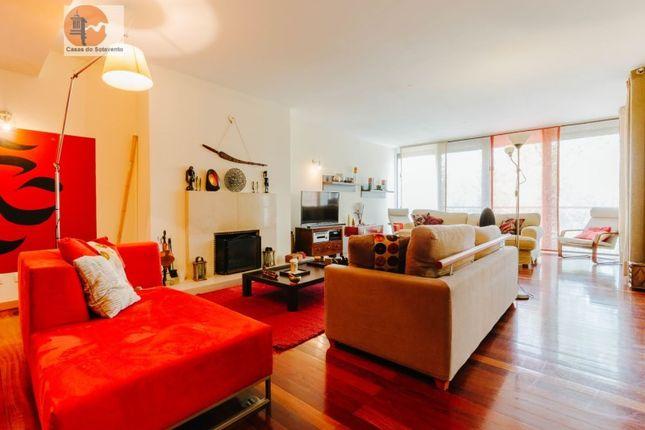 3 bed apartment for sale in Rua D. João II, Parque Das Nações, Lisboa
