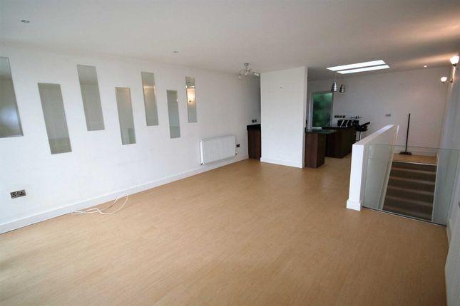 Thumbnail Property to rent in Glen Morag Gardens, Rochdale