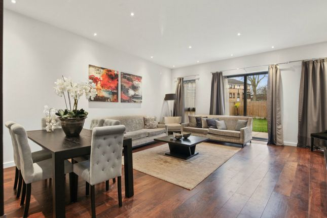 Thumbnail Terraced house to rent in The Crescent, Gunnersbury Mews, Chiswick, London
