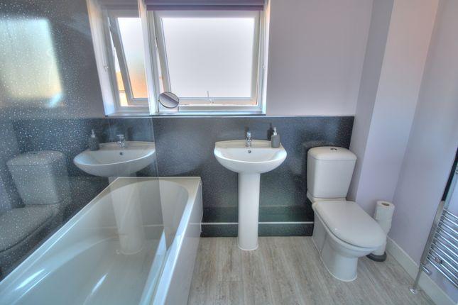 Bathroom of Thornbridge Way, Sheffield S12