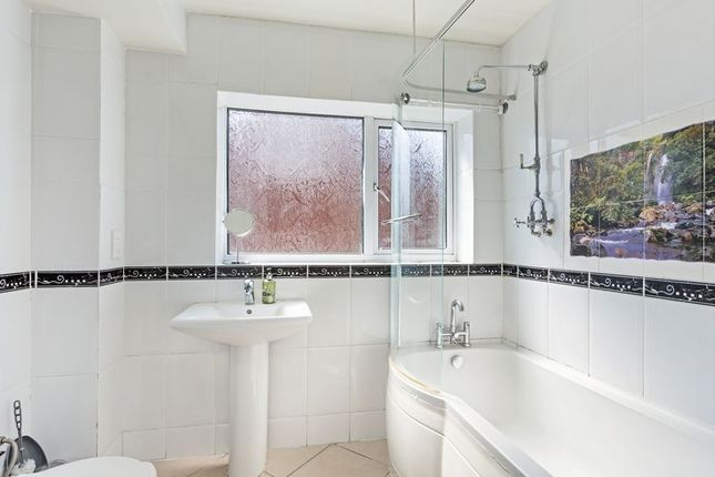 Bathroom of Valleyfield Road, London SW16
