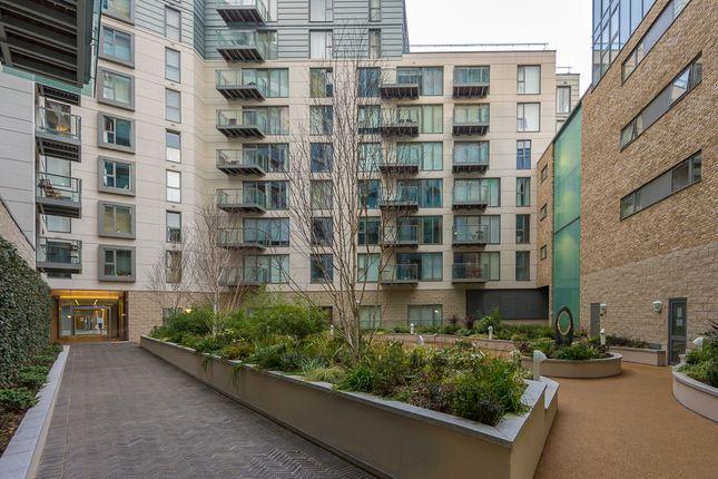 Courtyard Apts of Avantgarde Place, Shoreditch E1